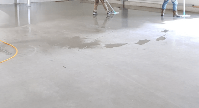 Can you use a carpet cleaner on concrete floor?